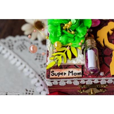 Creative Corner Box Full of Love  Mom Special Box